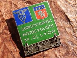 INSIGNE MOTO CLUB LYON CONCENTRATION MOTOCYCLISTE 1972 - Motos