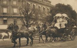 Taxi Fiacre Depart Pour Les Courses Hippisme Longchamp Paris Attelage 4 Chevaux Diligence - Taxi & Fiacre