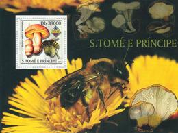 Sao Tome 2003 Fauna Mushrooms & Bees - Sao Tome And Principe