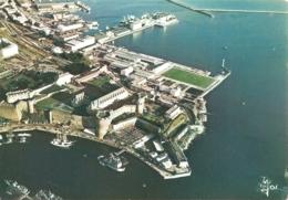 """29 - Brest - Le Château Et Le Port De Commerce - éd. Jos """"La Bretagne En Couleurs"""" N° V. 1277 (écrite) - [Vue Aérienne] - Brest"""