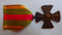Croix Du Combattant Volontaire De 1914/18. - France