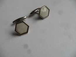"""(Publicité, Collector, Cadeaux BONUX....!!) - Paire De Boutons De Manchette """"nacre""""  (forme Hexagonale) - Publicité"""