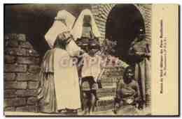 CPA Homme Noir Negre Mission Du Shire Afrique Des Peres Montfortains Au Dispensaire - Ethniques & Cultures