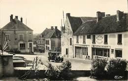 -dpts Div-ref-AK319- Orne - Nocé - Place Du Centre - Hotel Du Centre - Hotels Et Restaurants - Poste - Postes - P.t.t. - - France