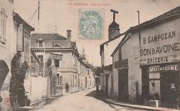 65 -Très Belle Carte Postale Acienne De VIC SUR BIGORRE  Rue De Tarbes - Vic Sur Bigorre