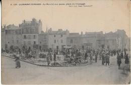 CLERMONT FERRAND : Le Marché Aux Puces- Place Du Champgil - Clermont Ferrand