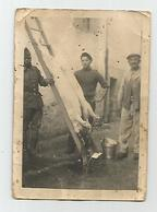 Photographie  Drole De Guerre 1940 écrit Cochon De Gravier Et Tirailleur Sénégalais Photo Dans L'état 6,5x9 Cm - Oorlog, Militair