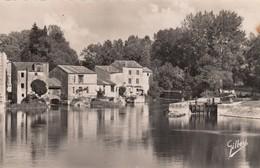 Jarnac.  Les Moulins - Jarnac