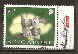 Singapour Singapore 200- Hands With Map Of Singapore Obl - Singapore (1959-...)