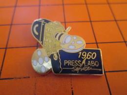 910c Pins Pin's / Rare & Belle Qualité  THEME PHOTOGRAPHIE : 1990 CAMERA 16 MM - Photography