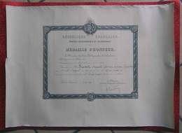 1938 Diplôme Médaille D'Honneur Argent PTT Postes De Mr Auguste Banet Facteur-Receveur à 66 Peyrestortes 52x37 Cms - Diploma & School Reports