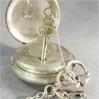 ~ MONTRE GOUSSET ET SA CHAINE EN ARGENT POINCON CRABE - Bijoux Horlogerie - Montres Anciennes