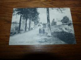 Mettet - Route De Fosses - Voyagée 1909 - Scan Flou Mais Vue En Très Bel état - Mettet