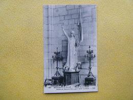 MANTES LA JOLIE. L'Eglise Notre Dame. La Statue De Jeanne D'Arc. - Mantes La Jolie
