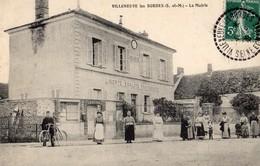 Villeneuve-les-Bordes  77   La Mairie  Et La Rue Tres Tres Animée - France