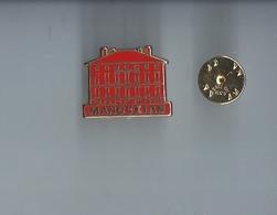 Pins -  Manoukian - Metargent - Port 1€20 - Pin's