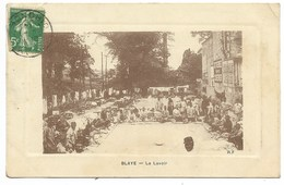 33-BLAYE-Le Lavoir...1914  Animé  (coin Pli) - Blaye