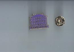 Pins -  Manoukian - Metargent -  Rare  Poirt 1€20 - Pin's