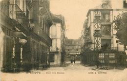WW 2 Cpa 76 DIEPPE. Rue Des Bains Et Pilote De Navire Rentrant Au Port - Dieppe