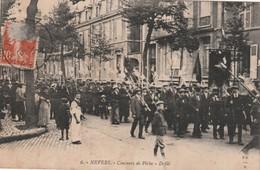 - 58 - CPA - NEVERS - Concours De Pêche - Défilé - Léger Pli - 835 - Nevers