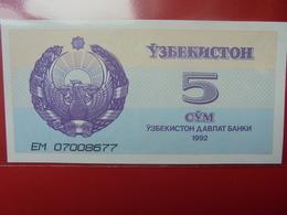 OUZBEKISTAN 5 SUM 1992 PEU CIRCULER/NEUF - Oezbekistan