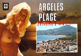 CPM -  JEUNE FILLE AUX SEINS NUS -  ARGELES PLAGE LE RACOU 66 Pyrénées Orientales  - Scans Recto-Verso - Pin-Ups