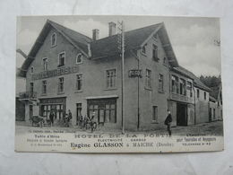 CPA 25 DOUBS-MAICHE : Hôtel De La Poste. Table D'hôte Eugène GLASSON (auto Et Vélos En Façade) - France