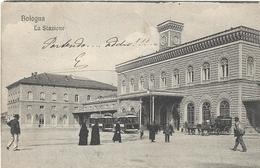 6-BOLOGNA-LA STAZIONE-ANIMATA TRAM-CARROZZE-SUORE - Stazioni Senza Treni