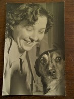 Oude Foto Originele 1956 MARIETTE  CASIER  Met HOND - Geïdentificeerde Personen