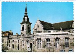 RENAULT 4, CITROEN HY, à Commercy - Voitures De Tourisme