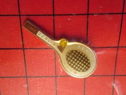 718c Pins Pin's / Rare & Belle Qualité  THEME SPORTS / MEZZAVIA TENNIS CLUB BALLE RAQUETTE - Tennis