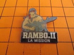 810i Pins Pin's / Rare & Belle Qualité  THEME CINEMA / FILM RAMBO II LA MISSION Les Rosbifs Sont Cuits !!! - Kino