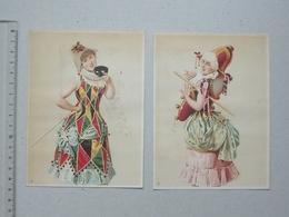 CHROMO Grand Format: DEMOISELLE Costume Lot 2 Différents Même Série - Arlequin Masque Bâton Mode Chapeau Déguisement - Trade Cards