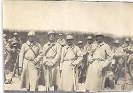 CERISY-GAILLY  SOMME  RENFORT AU 57-418 -1 AOUT 1916 -LIEUTENANT TRAVERSIE ET ASPIRANTS ...... Sepia - Guerre, Militaire