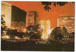 HONG KONG - THE NIGHT VIEW OF BANK DISTRICT / HILTON / OLD CARS / VW KAFER / BEETLE - Cina (Hong Kong)