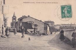 CPA /  Pradines (42) Entrée Du Bourg Et Route De Roanne  Belle  Animation  Ed Lafay Et Besacier  TBE - Autres Communes
