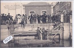 LE HAVRE- UN SCAPHANDRIER EN ACTION- REPARATION SOUS-MARINE DE LA PORTE D UN BASSIN - Harbour