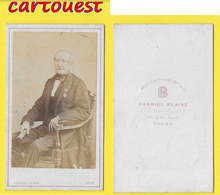 ֎ Photographie Albumen ֎ CDV Circa 1870 GABRIEL BLAISE à TOURS Portrait Homme Notable Décorations Militaire ֎ Notaire ? - Anciennes (Av. 1900)