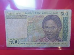 MADAGASCAR 500 FRANCS 1994 CIRCULER  (B.2) - Madagascar