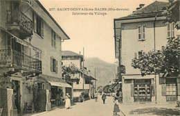 HAUTE SAVOIE   SAINT GERVAIS LES BAINS  Interieur Du Village - Saint-Gervais-les-Bains