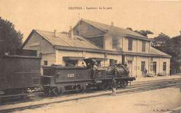 77-PROVINS- INTERIEUR D ELA GARE - Provins