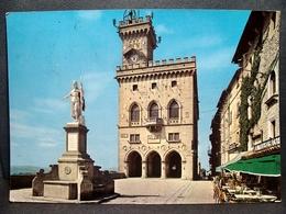 (FG.O49) SAN MARINO - PIAZZA DELLA LIBERTà E PALAZZO DEL GOVERNO (viaggiata 1965) - San Marino