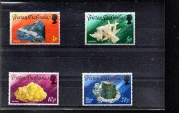 TRISTAN DA CUNHA 240/243** SUR DES MINERAUX - Tristan Da Cunha
