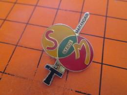 513f Pins Pin's / Rare & Belle Qualité  THEME SPORTS / EPEE ET BALLONS LE STADE MARANDAIS - Andere