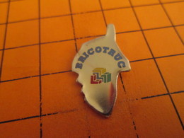 713b Pins Pin's / Rare & Belle Qualité  THEME  MARQUES / MAGASIN BRICOLAGE CORSE BRICOTRUC - Rallye