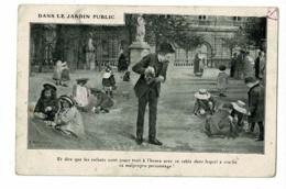 Société Prévention Contre Tuberculose - Dans Jardin Public, Enfants Jouant Dans Les Crachas De Ce Malpropre Personnage - Santé