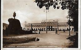 7-(30)PIACENZA-MONUMENTO A GARIBALDI-STAZIONE FERROVIARIA-PICCOLA ANIMAZIONE - Stazioni Senza Treni