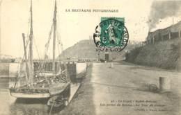 22 - LA BRETAGNE PITTORESQUE - LE LEGUE SAINT BRIEUC - Les Portes Du Bassin + Train à Vapeur 1910 - Saint-Brieuc
