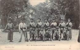 Vietnam - Un Groupe De Tirailleurs Annamites (indochine) (militaria) - Vietnam