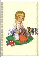 Petite Fille Blonde, Poupée, Petit Chien, Camion. 1974 - Contemporain (à Partir De 1950)